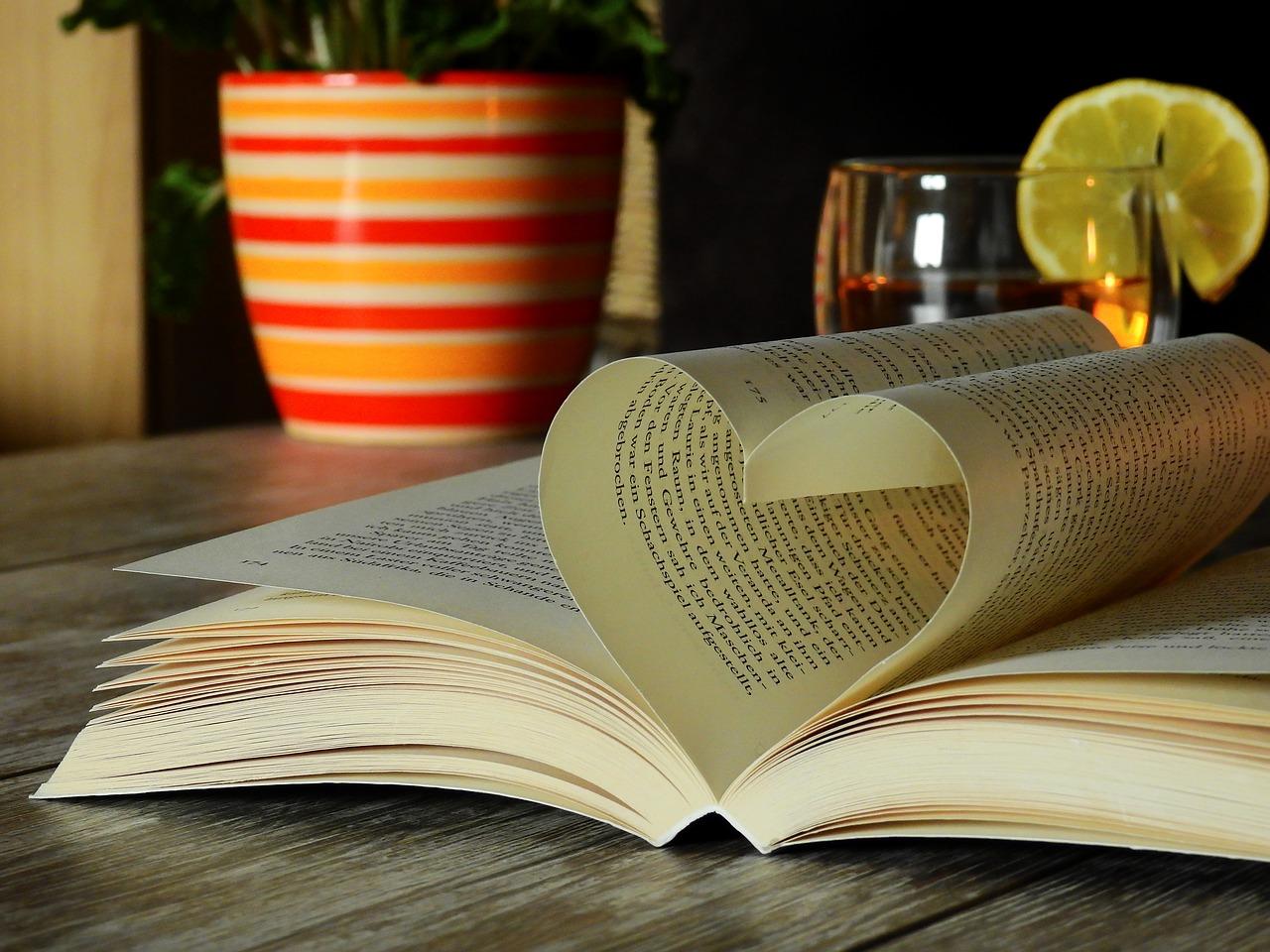 Betű utak egymáshoz – Hasznos könyvek párkapcsolatainkhoz