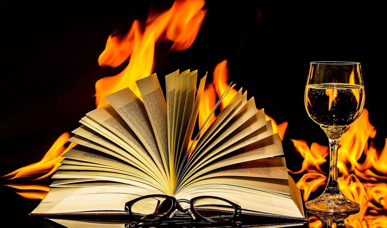 Fantáziadús könyv-design, ha az olvasás már nem elég