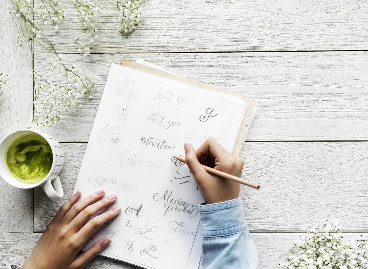 Kvíz: Felismered a híres szerzők kézírását?